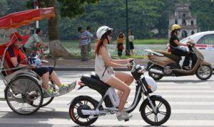 Đi xe đạp điện có bắt buộc phải đội mũ bảo hiểm
