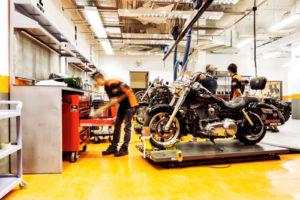 Tư vấn Thành lập doanh nghiệp, công ty bán, bảo dưỡng và sửa chữa mô tô, xe máy, phụ tùng và các bộ phận phụ trợ của mô tô, xe máy